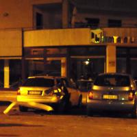 Notte di paura a Maglie per una bomba carta: distrutta l'auto di un ragazzo di Cursi