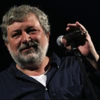 """Il """"cantastorie"""" Francesco Guccini torna a Lecce dopo otto anni"""